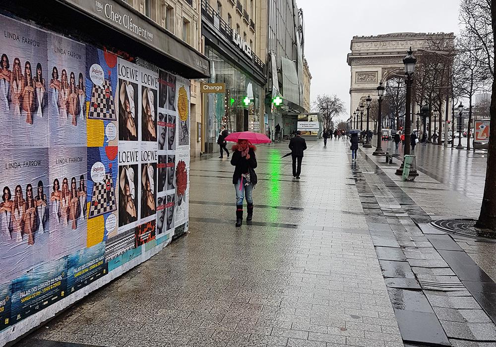 Photos-Article-Linda-Farrow-Milan-Paris-NewYork-affichage-sauvage-Anolis-11