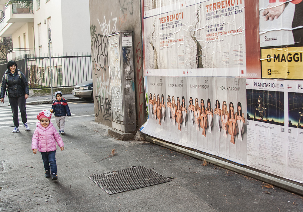 Photos-Article-Linda-Farrow-Milan-Paris-NewYork-affichage-sauvage-Anolis-2
