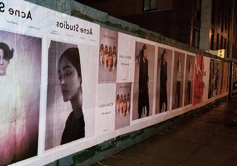Photos-Article-Linda-Farrow-Milan-Paris-NewYork-affichage-sauvage-Anolis-5