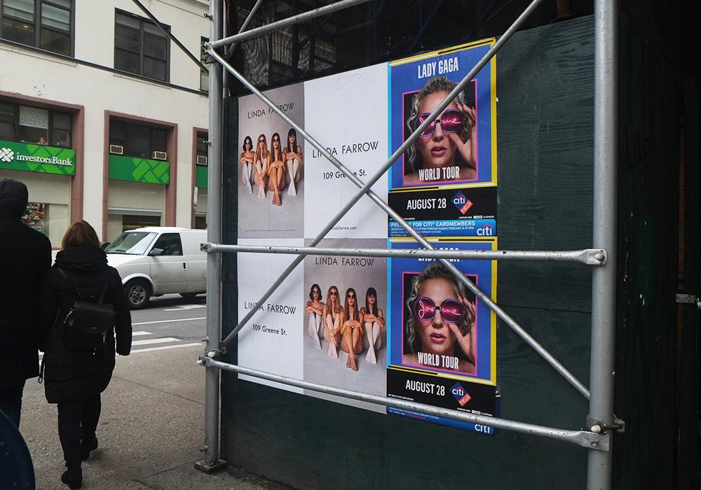 Photos-Article-Linda-Farrow-Milan-Paris-NewYork-affichage-sauvage-Anolis-8
