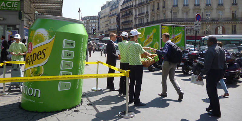Ambient marketing Anolis schweppes