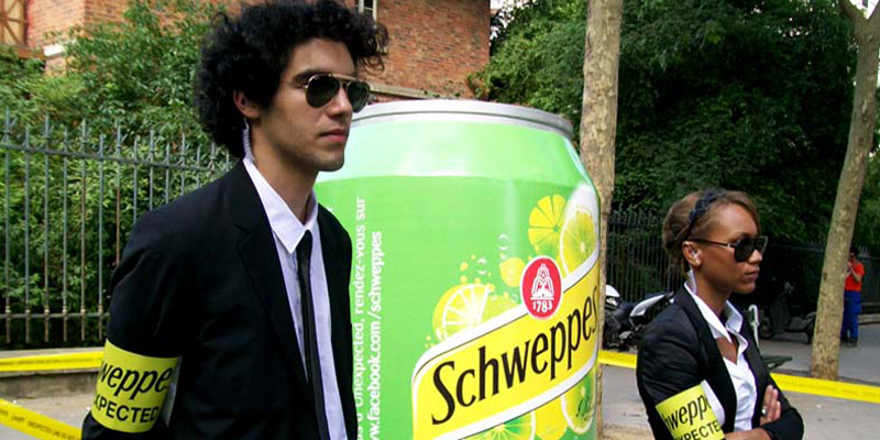 Ambient marketing schweppes