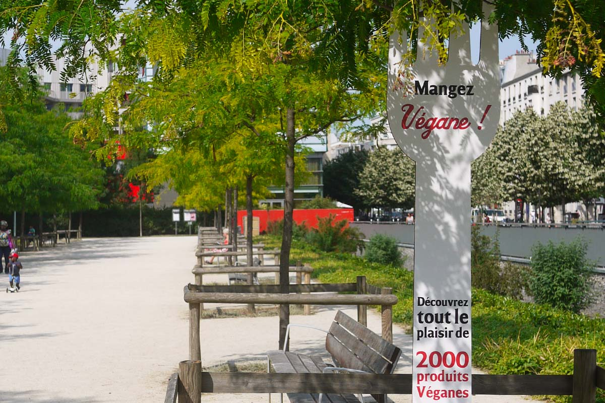Naturalia-Vegan-Anolis-Fourchette-street-marketing-Photo-10-Light