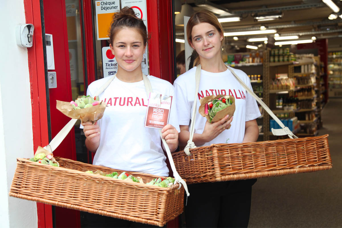 Naturalia-Vegan-Anolis-Fourchette-street-marketing-Photo-4 copie-Light