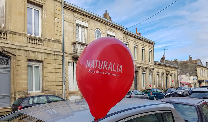 Naturalia ouverture de magasin : ballons guerilla